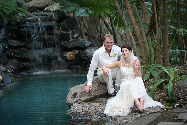 http://www.thalabeach.com.au/wp-content/uploads/2012/03/Rainforest-pool.jpg