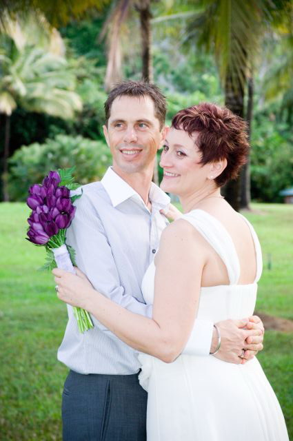 http://www.thalabeach.com.au/wp-content/uploads/2012/03/Stacy-and-Carl-2.jpg