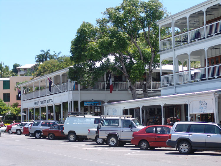 court house hotel Port Douglas 2