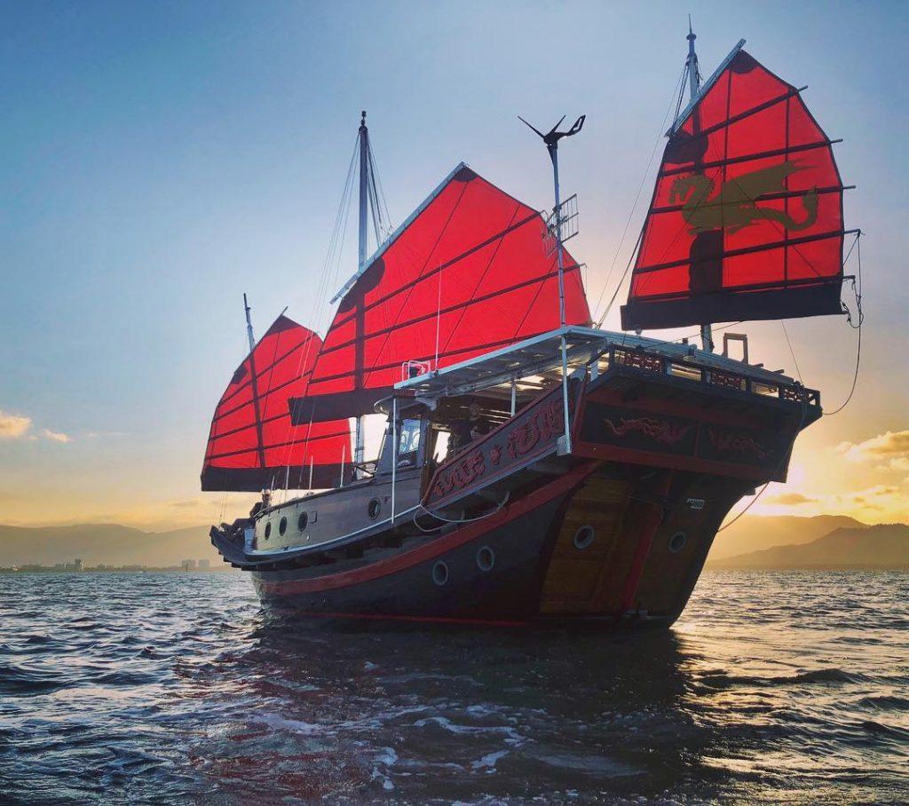Shaolin Junk Cruise