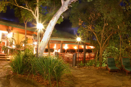 https://www.thalabeach.com.au/wp-content/uploads/2010/07/12-restaurant-at-night_jpg_jpg.jpg