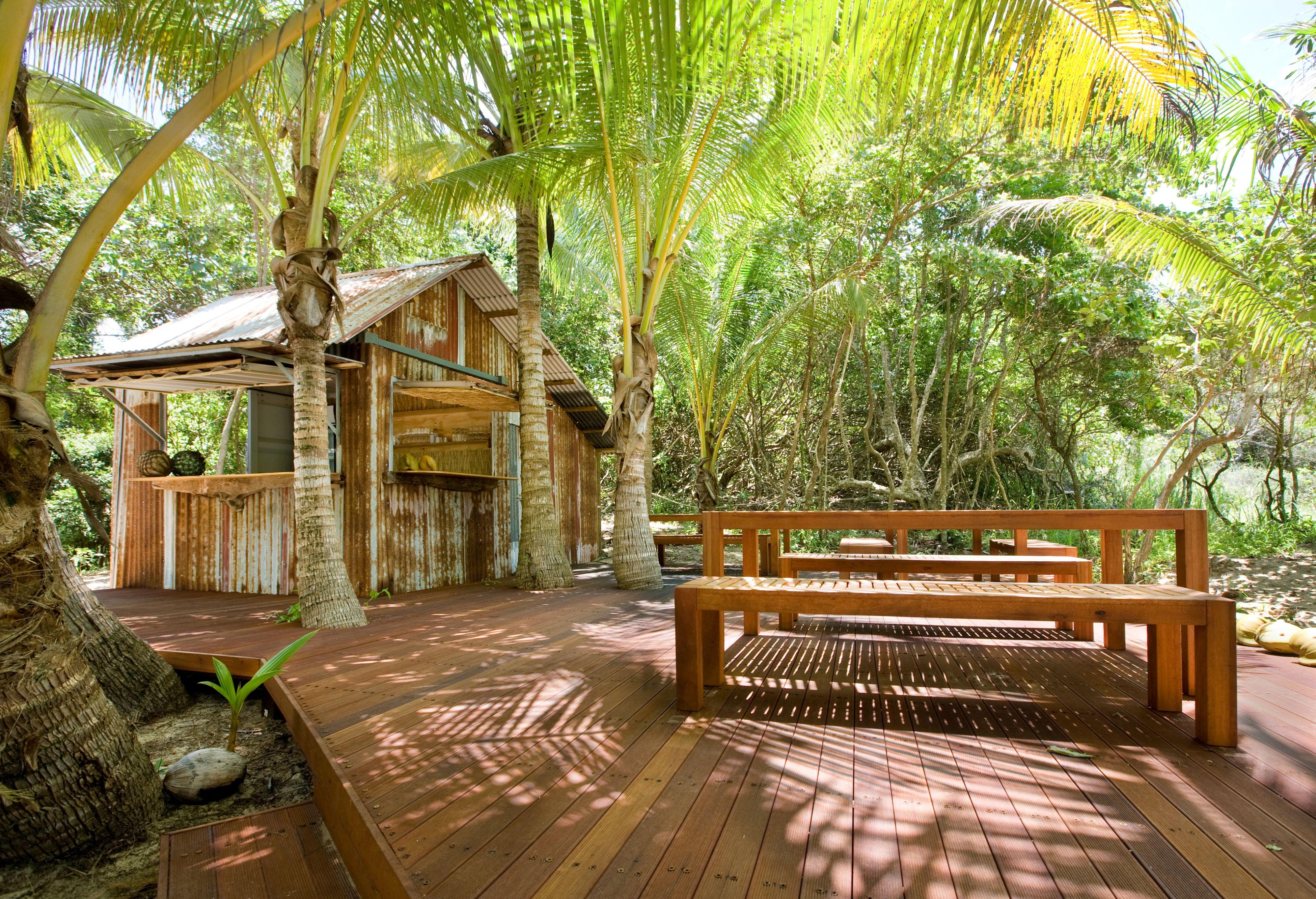 https://www.thalabeach.com.au/wp-content/uploads/2010/07/Herbies-Beach-Shack.jpg