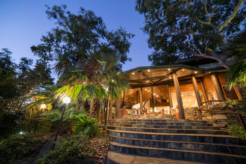 https://www.thalabeach.com.au/wp-content/uploads/2010/07/Lobby-at-night.jpg