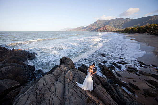 beach wedding port douglas