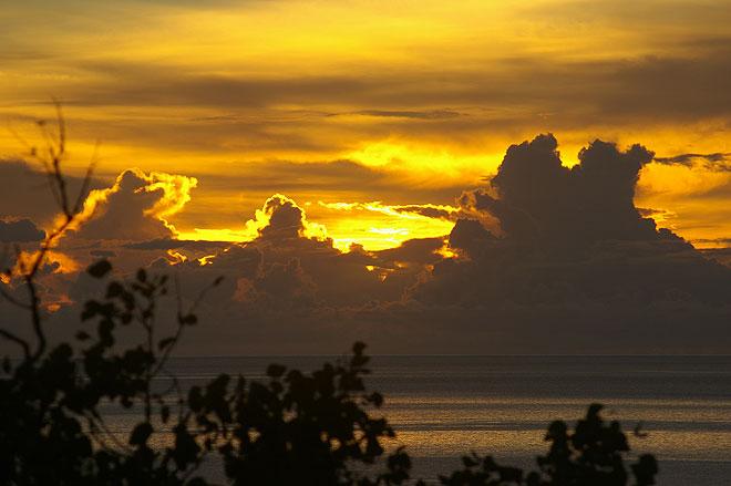 sunrise at ospreys restaurant port douglas