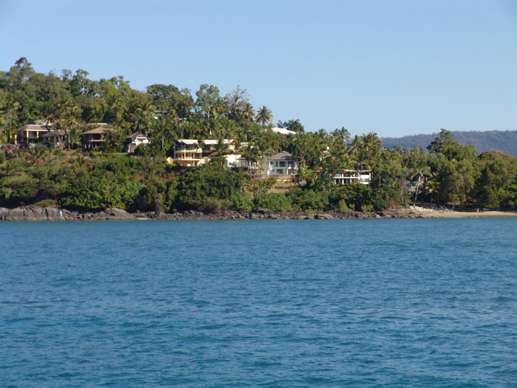 houses on Island Point Port Douglas 2